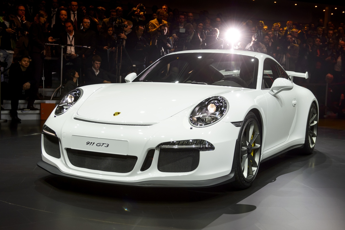 "The GT3 is the first <a href=""http://www.motorauthority.com/news/1082688_2014-porsche-911-gt3-unveiled-geneva-motor-show"">Por"