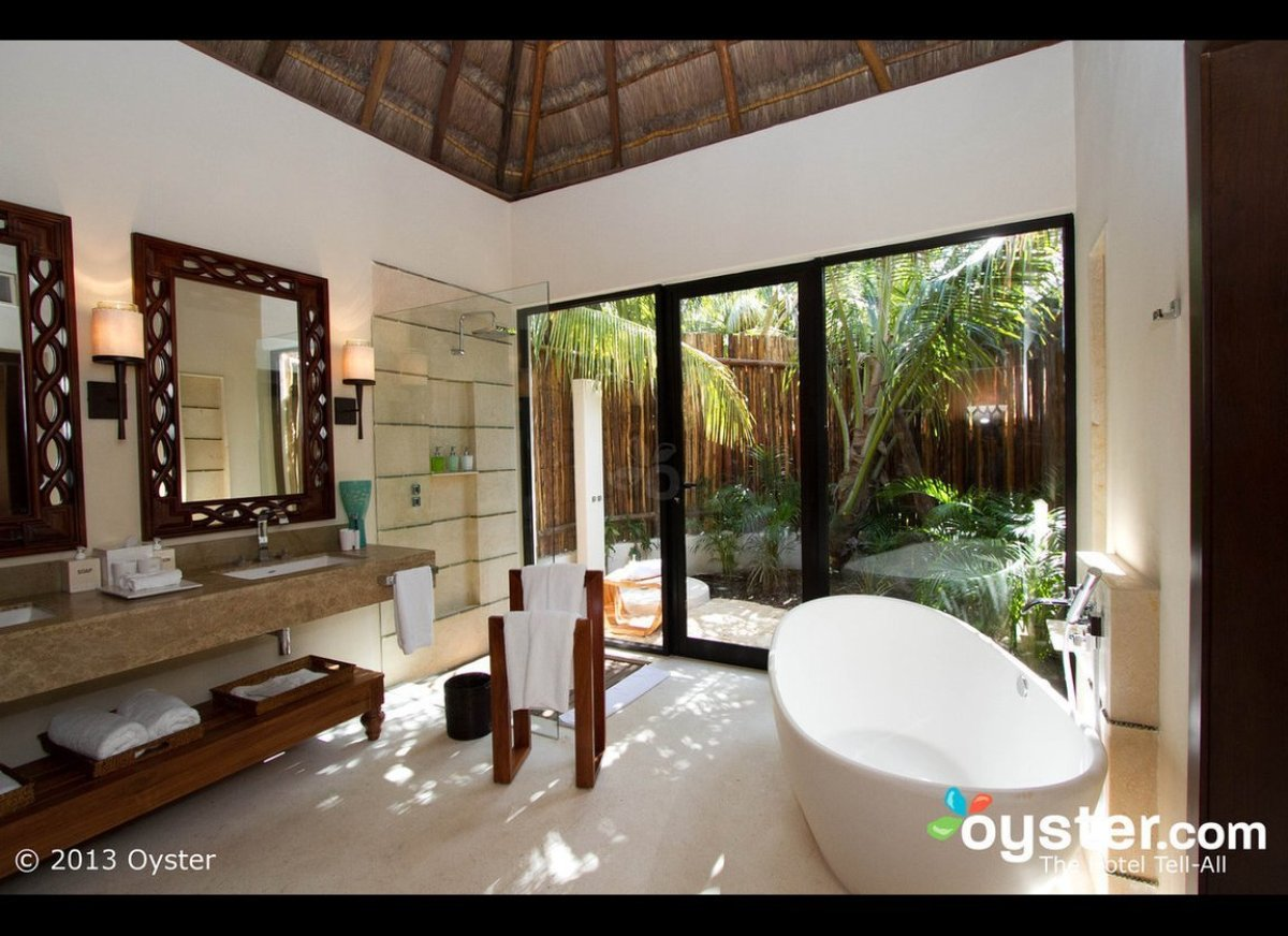 With just 41 private villas, the Viceroy Riviera Maya attracts couples looking for a quiet, romantic retreat. The rustic-luxe