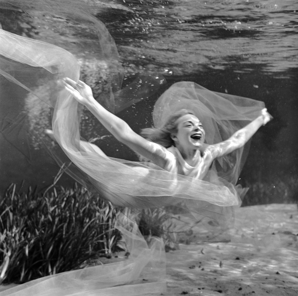 circa 1956:  Ginger Stanley performs acrobatic movements in her solo underwater ballet at Silver Springs, Florida. (Bruce Moz