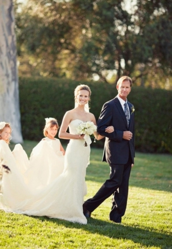 We love when brides and grooms plan first looks. In previous times, however, this idea never even entered into the picture be