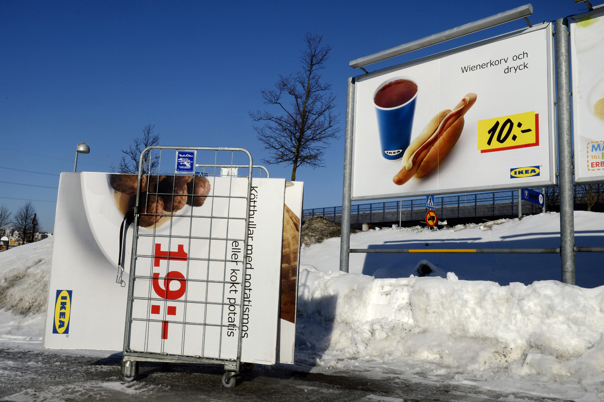 "Amid Europe's horse meat scandal, Ikea withdrew <a href=""http://www.huffingtonpost.com/2013/02/25/horse-meat-ikea-swedish-mea"
