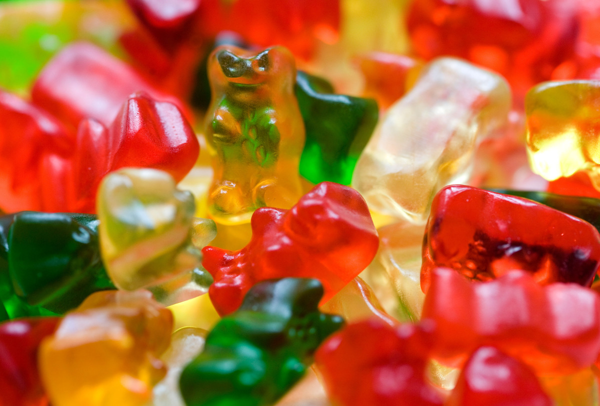 "Gelatin is used in gummy candies, according to the <a href=""http://www.gelatin-gmia.com/html/qanda.html"" target=""_hplink"">Gel"