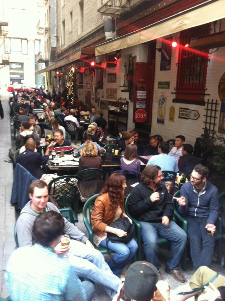 "Settled in an alley, this hidden <a href=""http://www.theirishbank.com/"" target=""_blank"">Financial District pub </a>has great"