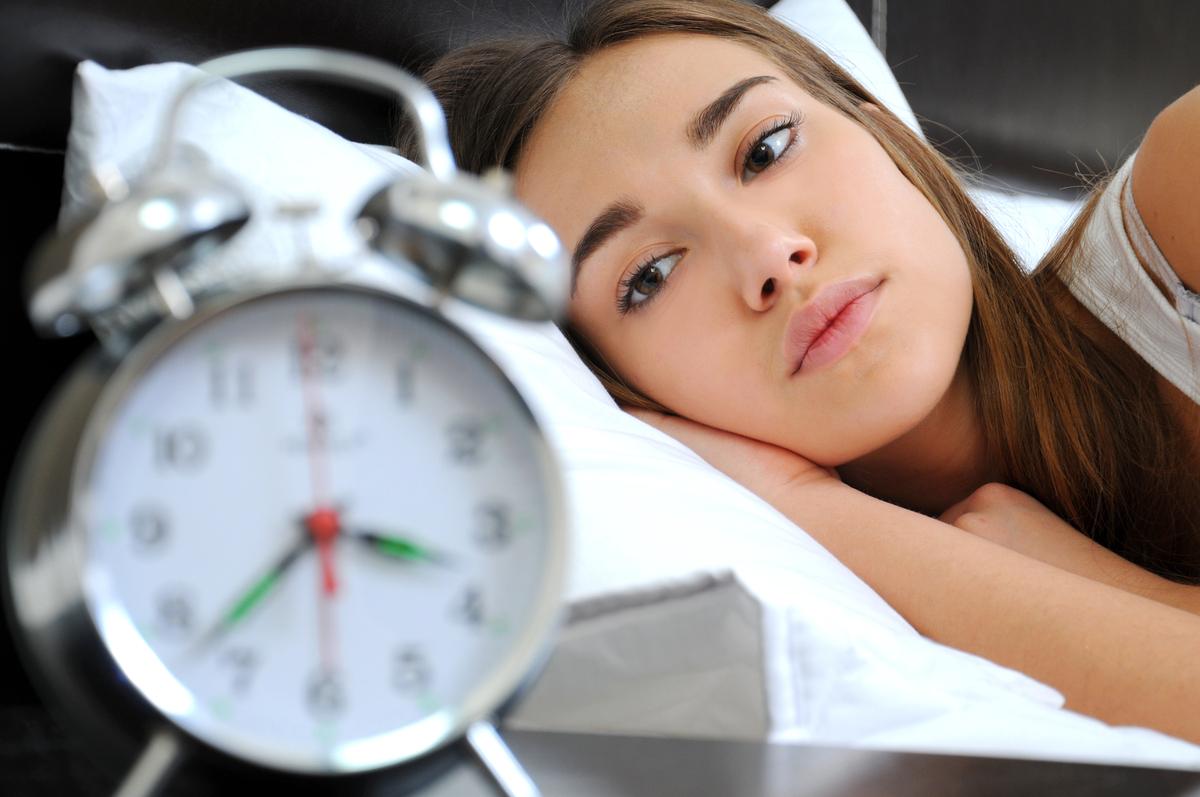 Si après 15 minutes, le sommeil ne vient pas et que sn attente est pénible, il est préférable de se lever et de pratiquer une activité calme. Le besoin de sommeil reviendra au prochain cycle.