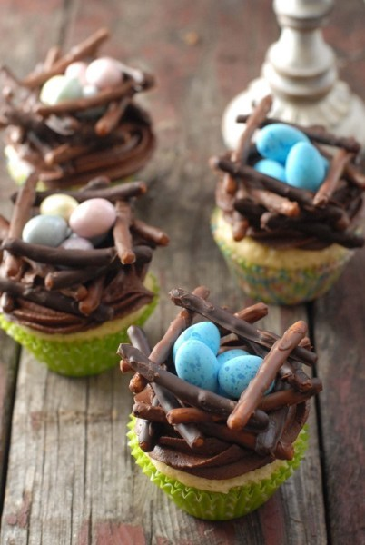 """<strong>Get the <a href=""""http://boulderlocavore.com/2013/03/chocolate-birds-nest-cupcakes-gluten-free-pamelas-products-giveaw"""
