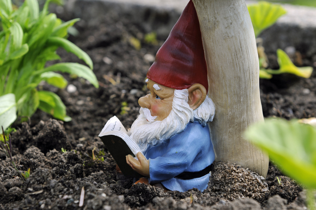 10 Adorable Garden Gnomes That Are Protecting Yards All Over The World  (PHOTOS) | HuffPost