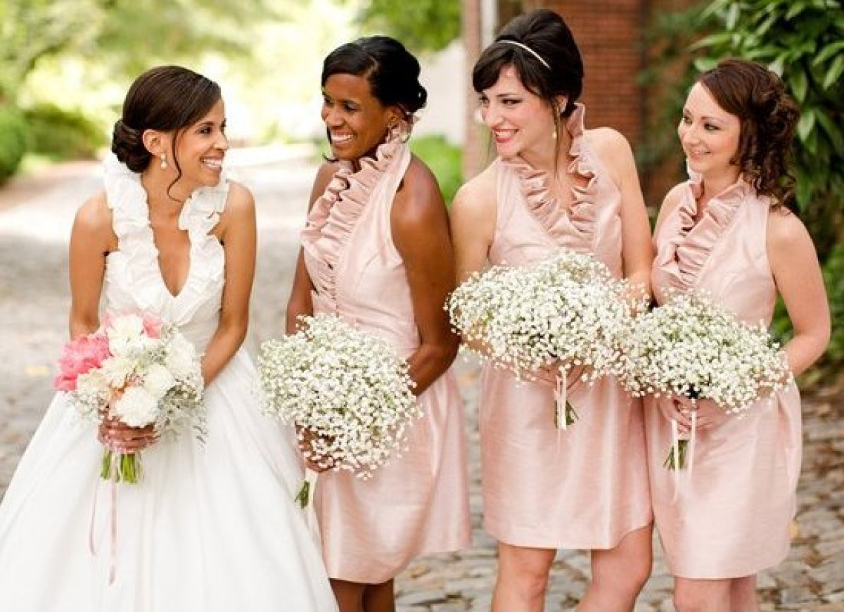 Wedding Party Stress Expert Tips On How To Choose Your Bridesmaids And Groomsmen Huffpost