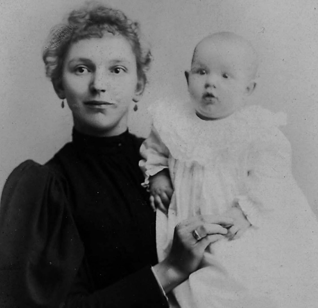 A photo of Blanche, the author's great-grandmother, and her grandmother Lulu in 1895.