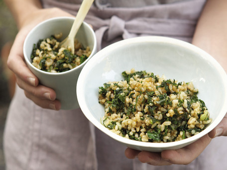 """<strong>Get the <a href=""""http://www.huffingtonpost.com/2011/10/27/fried-rice-with-kale--sc_n_1061264.html"""" target=""""_blank"""">Fr"""
