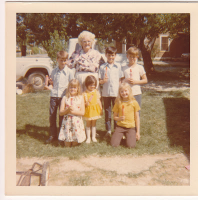 GenFab blogger Holly Parper (front row on the left as a child) reflected on the way her mother fought her age through drastic