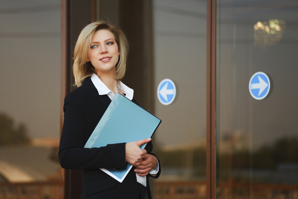 We've all had the frustrating experience of going into another room to get something and then realizing... we've totally forg