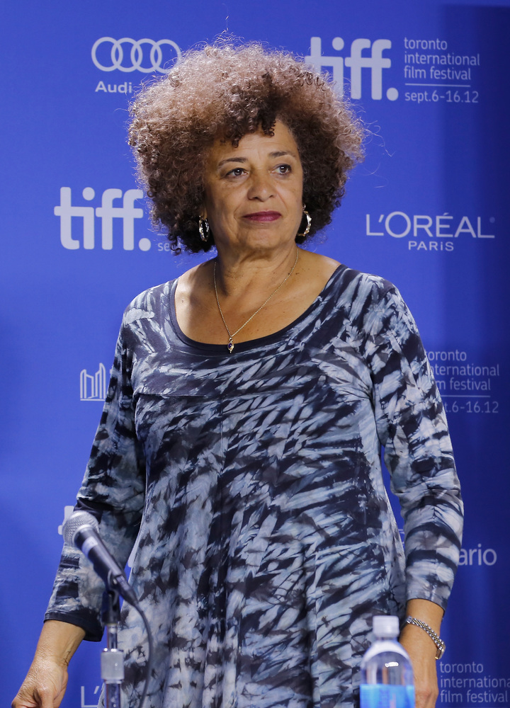 TORONTO, ON - SEPTEMBER 10:  Activist Angela Davis speaks onstage at 'Free Angela & All Political Prisoners' Press Conference
