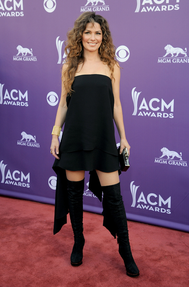 Singer Shania Twain arrives at the 48th Annual Academy of Country Music Awards at the MGM Grand Garden Arena in Las Vegas on