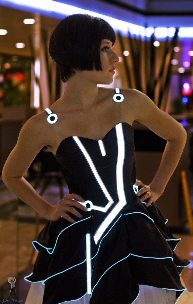 "In February, we <a href=""http://www.huffingtonpost.com/2013/02/06/this-tron-prom-dress-exis_n_2631721.html"" target=""_blank"">f"