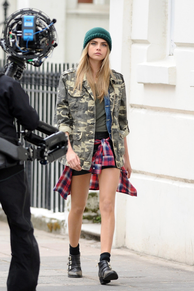 LONDON, ENGLAND - APRIL 09:  Cara Delevingne seen doing a photoshoot in Notting Hill on April 9, 2013 in London, England.  (P