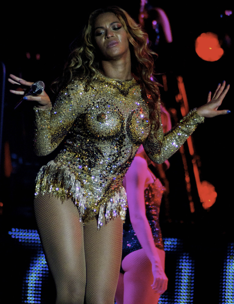 Beyonce Knowles started her 'Mrs. Carter' world Tour. Her first show was in Belgrade, Serbia. She had a concert in Kombank Ar