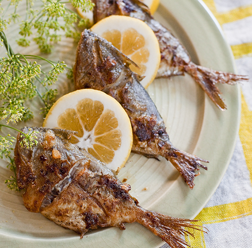 "<strong>Get the <a href=""http://yummysupper.blogspot.com/2010/06/pan-fried-butterfish.html"" target=""_blank"">Pan Fried Butterf"
