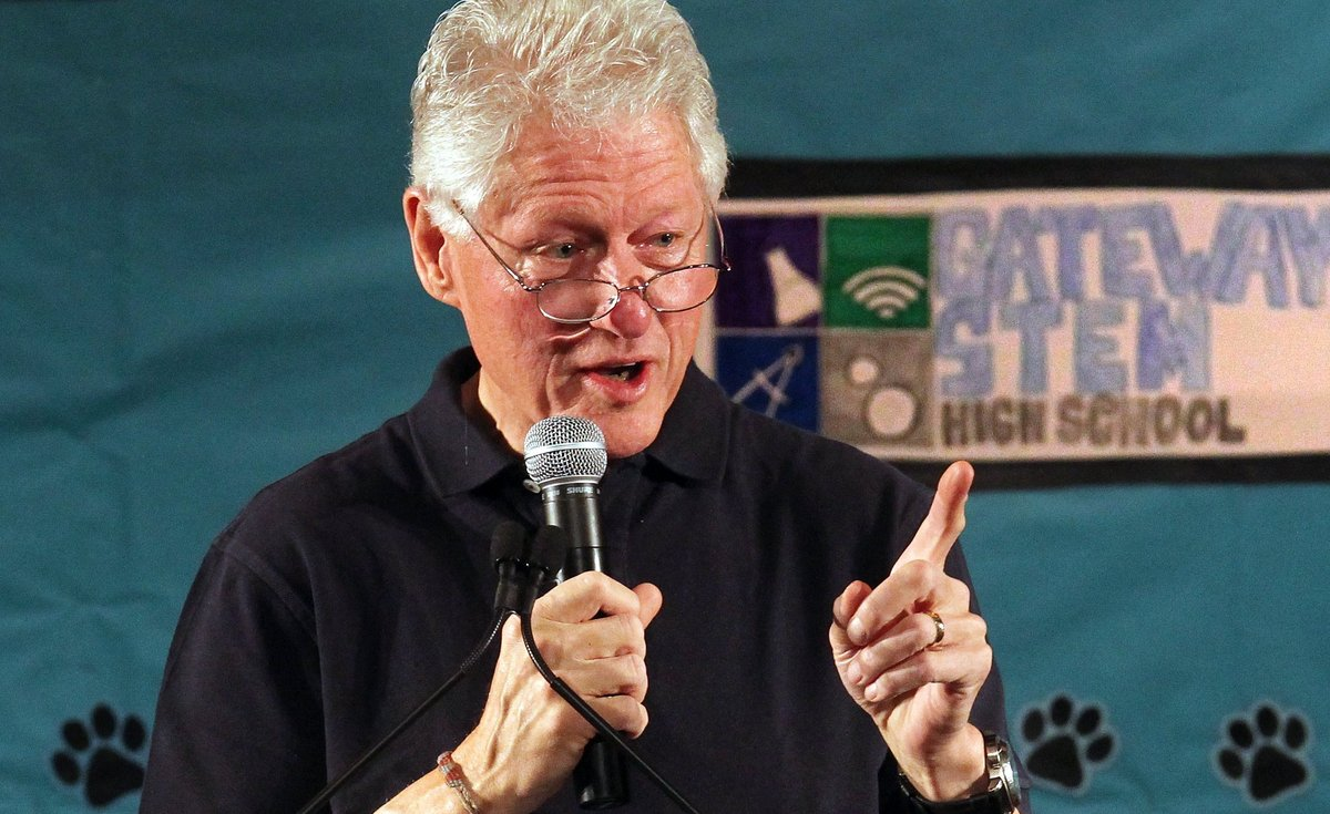 "Bill ""Didn't Inhale"" Clinton has supported decriminalizing marijuana for more than a decade and more recently has spoken out"