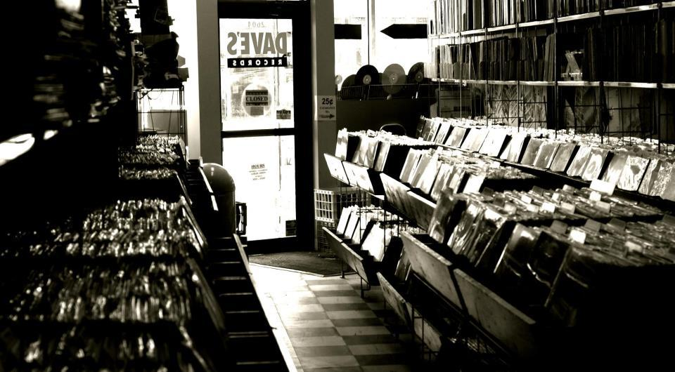 "<strong>Dave's Records - 2604 N. Clark St </strong><a href=""https://twitter.com/davesrecordschi/status/324675164174426113"" ta"