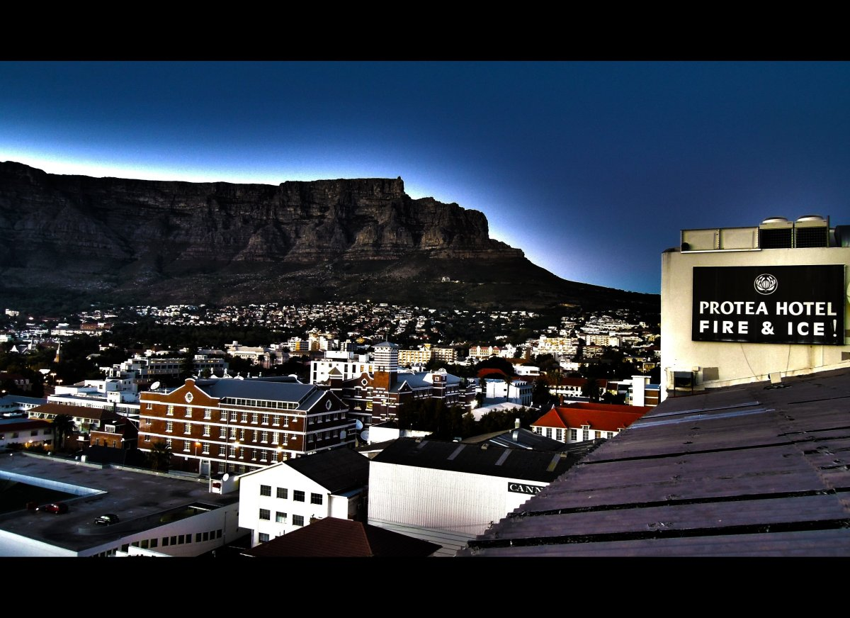 """The <a href=""""http://www.proteahotels.com/protea-hotel-fire-ice-cape-town.html"""" target=""""_hplink""""><strong>Fire and Ice</strong>"""