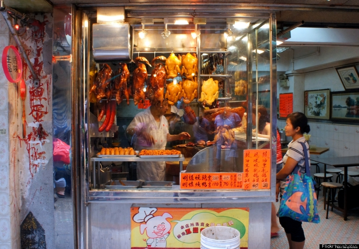 With a bustling international food scene, Hong Kong offers up everything from sweet tofu soup to dumplings all from street-si