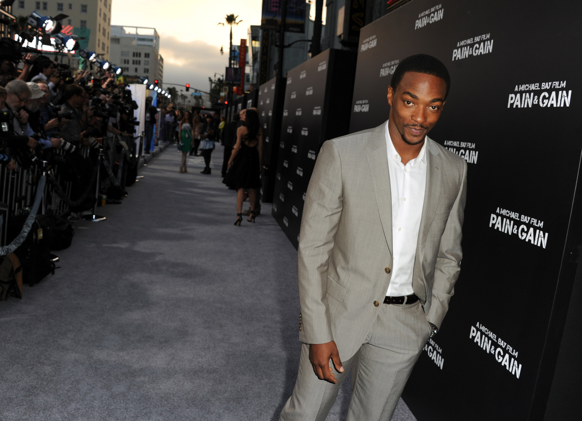 HOLLYWOOD, CA - APRIL 22:  Actor Anthony Mackie arrives at the premiere of Paramount Pictures' 'Pain & Gain' at TCL Chinese T