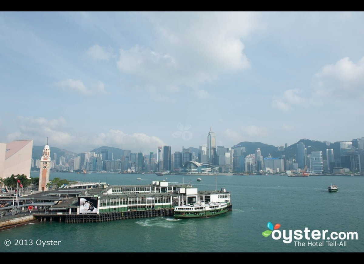 With a beautiful setting on the water, the Victoria Harbour has gorgeous views that look out to Victoria Peak, the tallest sp