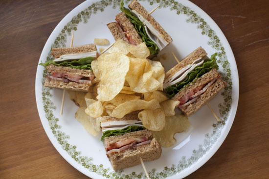 "<strong>Get the <a href=""http://www.macheesmo.com/2012/06/traditional-club-sandwich/"" target=""_blank"">Traditional Club Sandwi"
