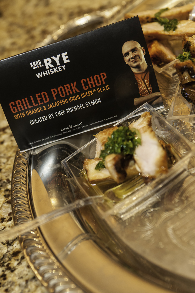 <strong>What You'll Need</strong> 6 pork chops, bone in Olive oil Salt Freshly ground black pepper Orange & jalapeño Knob Cre