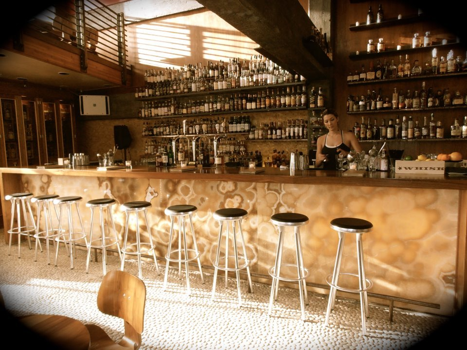 "<a href=""http://dajanigroup.net/establishments/nihon-whisky-lounge/"" target=""_blank"">Nihon Whisky Lounge</a>"