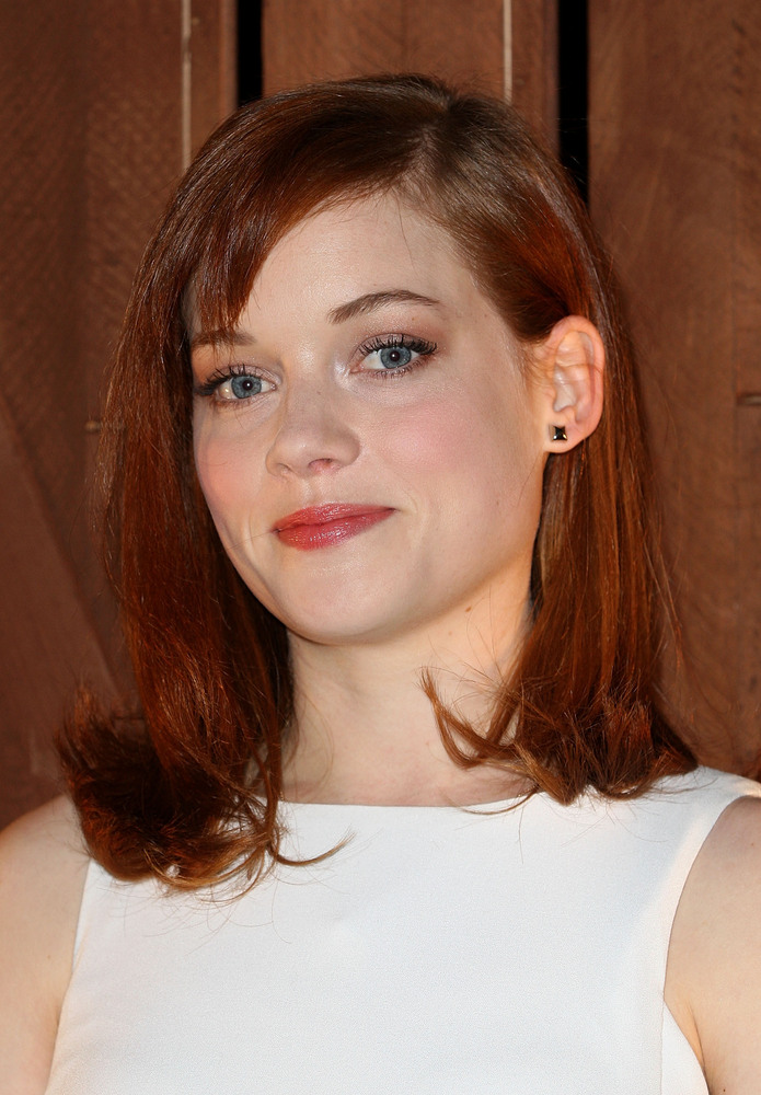 "The ""Suburgatory"" star <a href=""http://www.latimes.com/entertainment/gossip/la-et-mg-jane-levy-divorce-split-suburgatory-2013"