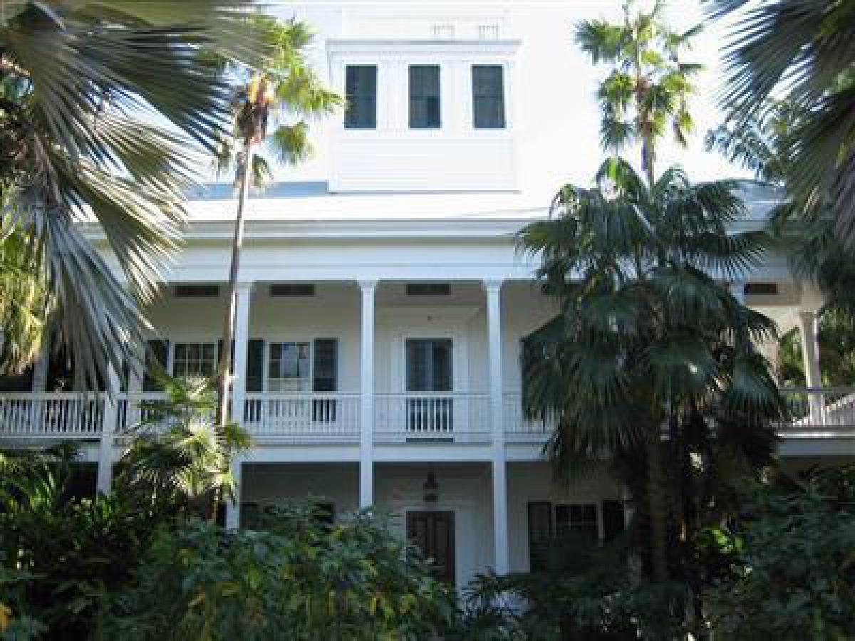 "Built in 1854, <a href=""http://www.realtor.com/realestateandhomes-detail/620-Southard-St_Key-West_FL_33040_M63593-48935"" targ"