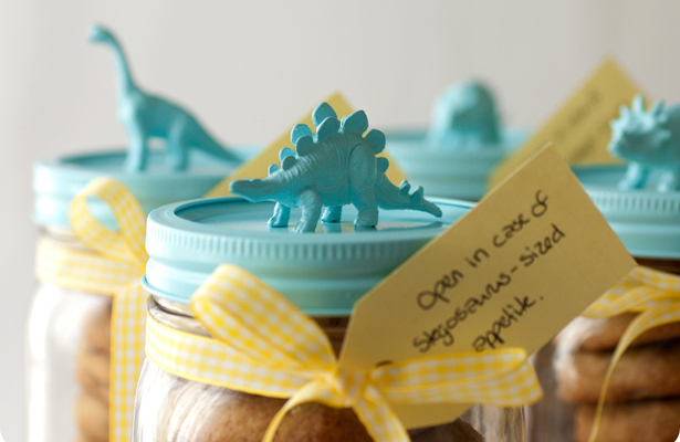 Okay, so the cookies-in-a-jar gift is nothing new. But really, who could resist these adorable dino-jars for holiday baked go