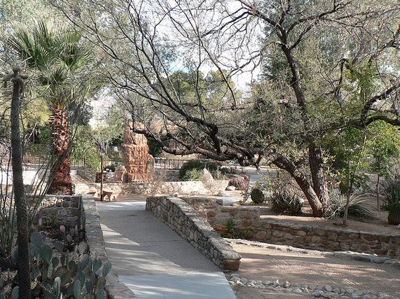 "The gold standard of detox retreats, <a href=""http://www.canyonranch.com/"" target=""_blank"">Canyon Ranch</a> has become synony"