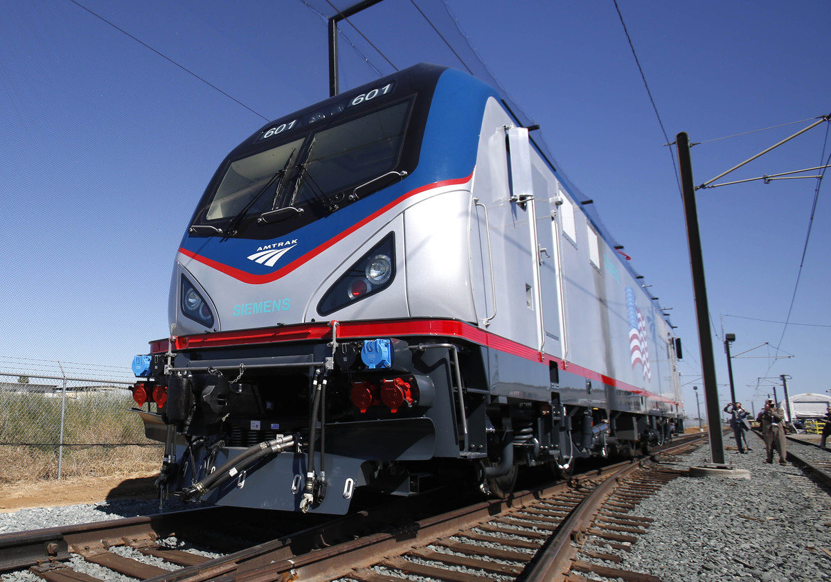One of the new Amtrak Cities Sprinter Locomotive makes a demonstration run during unveiling ceremonies at the Siemens Rails S