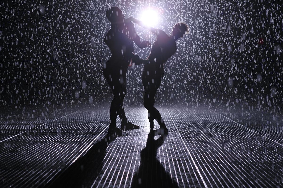MoMA Rain Room: Creator\'s Project Explores Random International ...