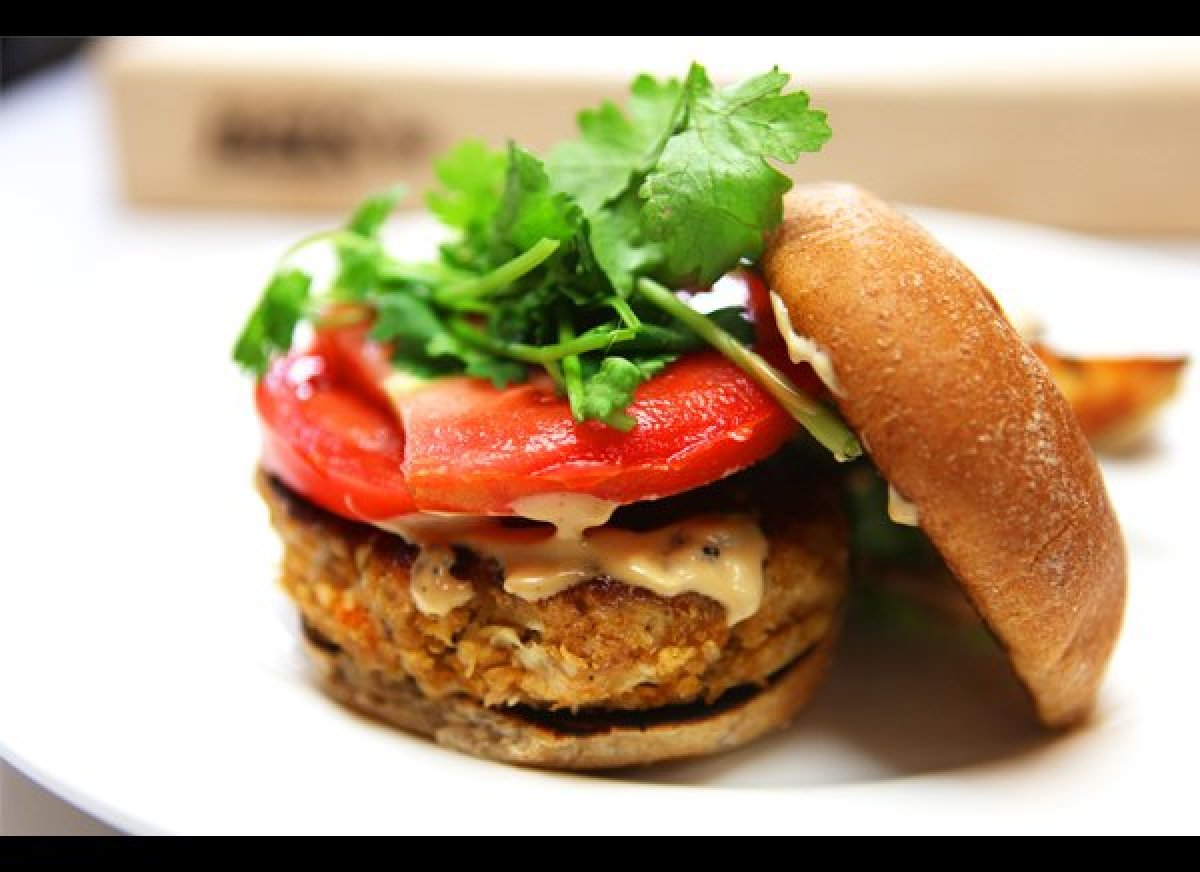 This Thai Chicken Burger is flavored with lemongrass, ginger, hoisin-sriracha mayonnaise   and fresh cilantro. <strong><a hre