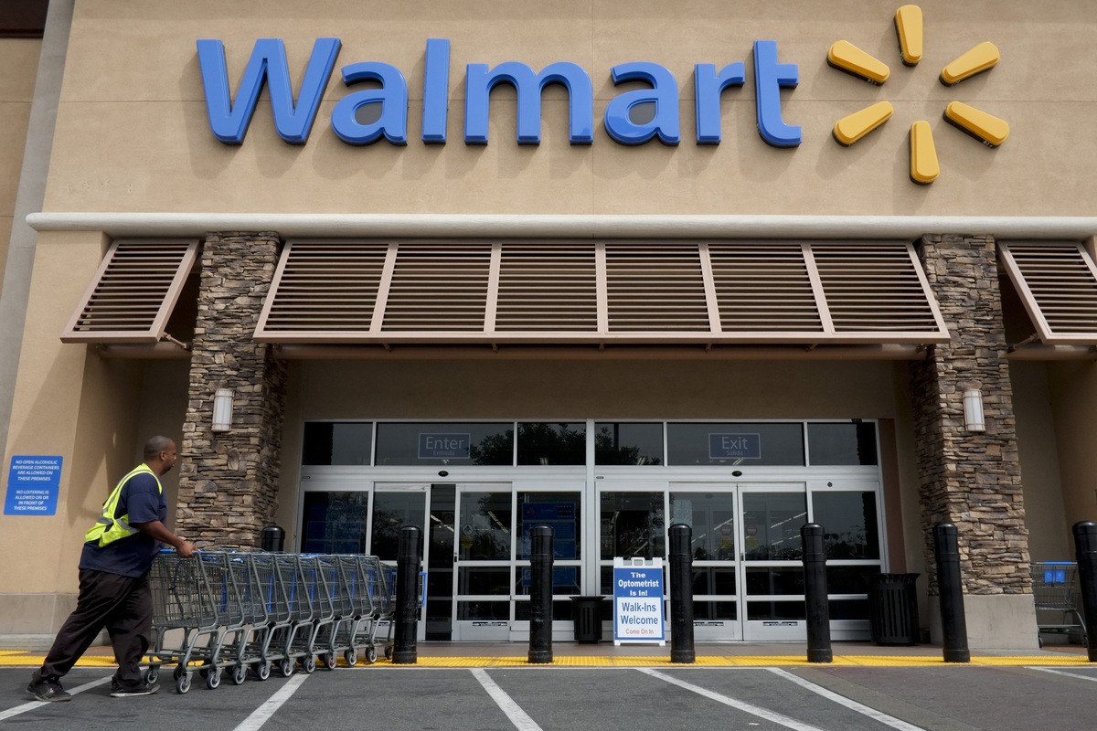 "Walmart declined to join the Bangladesh safety accord, instead creating its <a href=""http://www.huffingtonpost.com/2013/05/14"