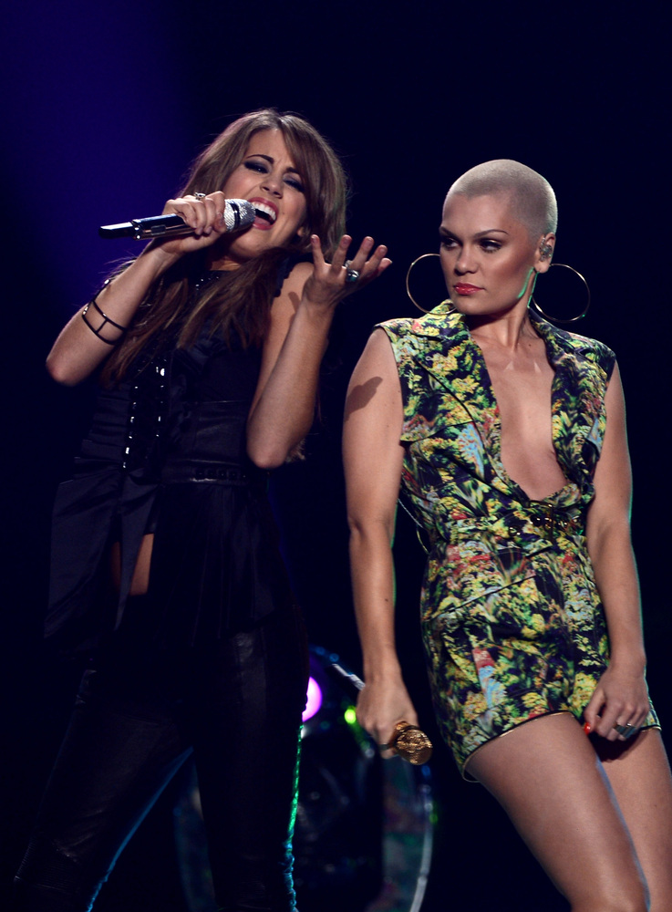 LOS ANGELES, CA - MAY 16:  American Idol finalist Angie Miller (L) and singer Jessie J perform onstage during Fox's 'American