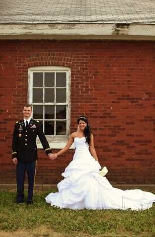 "This glam bride planned their Minnesota wedding in just six months with the groom based in another state!   <a href=""http://l"