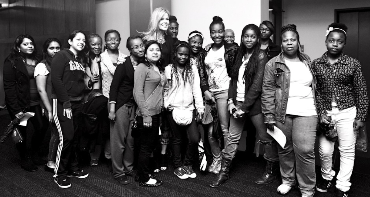 "<a href=""https://www.facebook.com/glam4good"" target=""_hplink"">GLAM4GOOD</a> founder Mary Alice Stephenson meets a group of Ne"