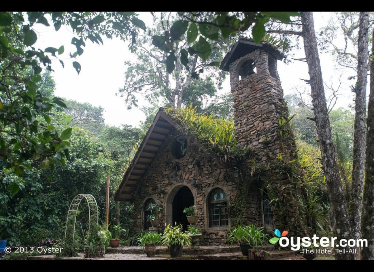 """For outdoorsy couples looking for an authentic eco-lodge experience on their wedding day, <a href=""""http://www.oyster.com/nica"""