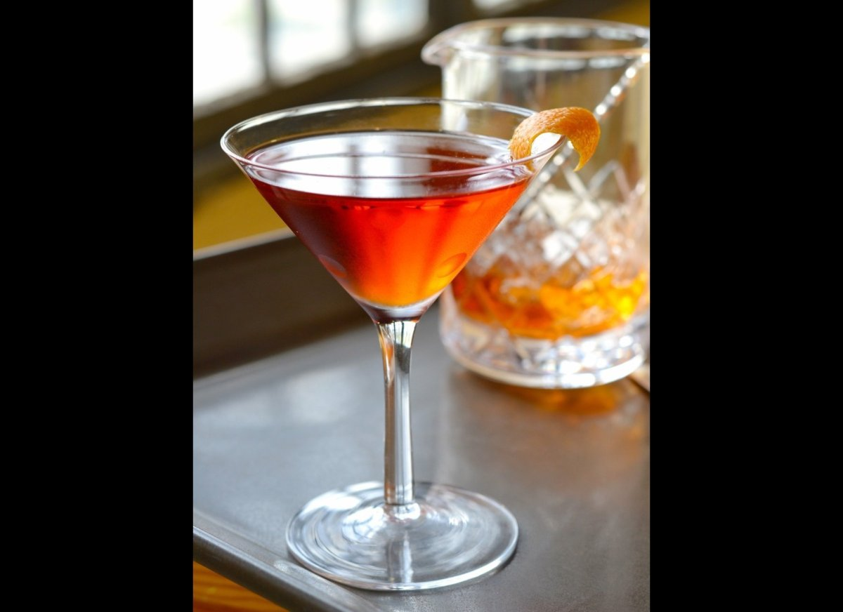 """<strong><a href=""""http://imbibemagazine.com/Baby-Steps-Cocktail-Recipe"""" target=""""_hplink"""">Baby Steps Negroni</a></strong> Swap"""