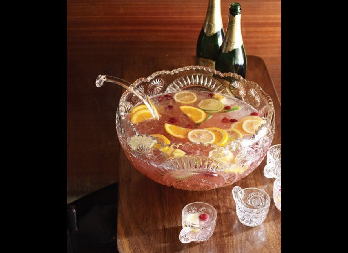 """<a href=""""http://www.imbibemagazine.com/Gin-Punch-Recipe """" target=""""_hplink""""><strong>Gin Punch</strong></a> The talented duo b"""