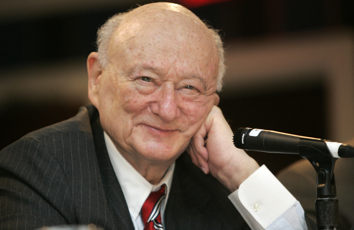 "<a href=""http://www.huffingtonpost.com/2013/02/01/ed-koch-dead-nyc-mayor-obituary_n_2597207.html"" target=""_blank""><strong>Ed"