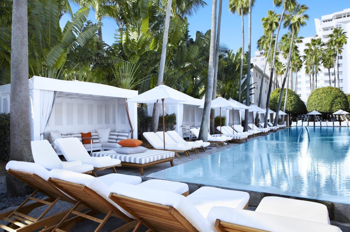 "<a href=""http://www.departures.com/slideshows/hotel-pool-amenities/2"" target=""_hplink"">See More Hotel Pool Amenities Here</a>"