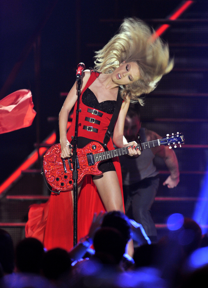 Taylor Swift performs at the 2013 CMT Music Awards at Bridgestone Arena on Wednesday, June 5, 2013, in Nashville, Tenn. (Phot