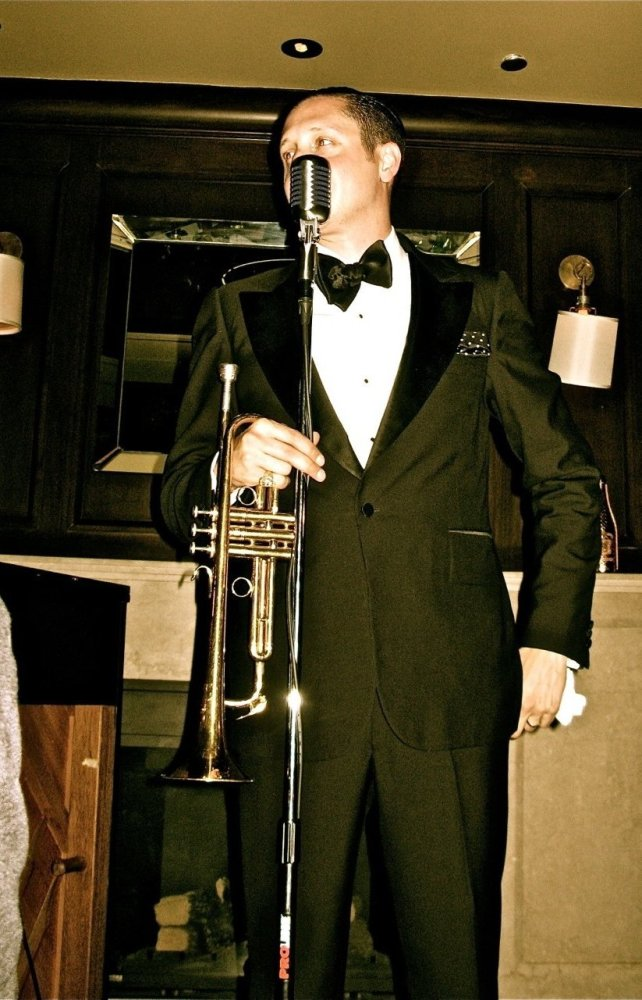 "Jazz musician <a href=""http://www.briannewman.com/music/"" target=""_hplink"">Brian Newman</a>  Photo by: Tina Turnbow"