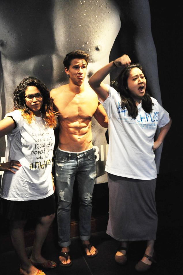 "<a href=""http://www.dosomething.org/petition/abercrombie"" target=""_blank"">DOSOMETHING.ORG</a>"