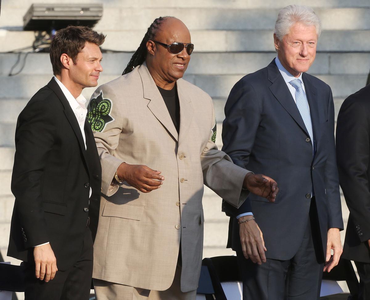 LOS ANGELES, CA - JUNE 07: (L-R) Ryan Seacrest, Stevie Wonder and former President Bill Clinton Pays Tribute to Mayor Antonio